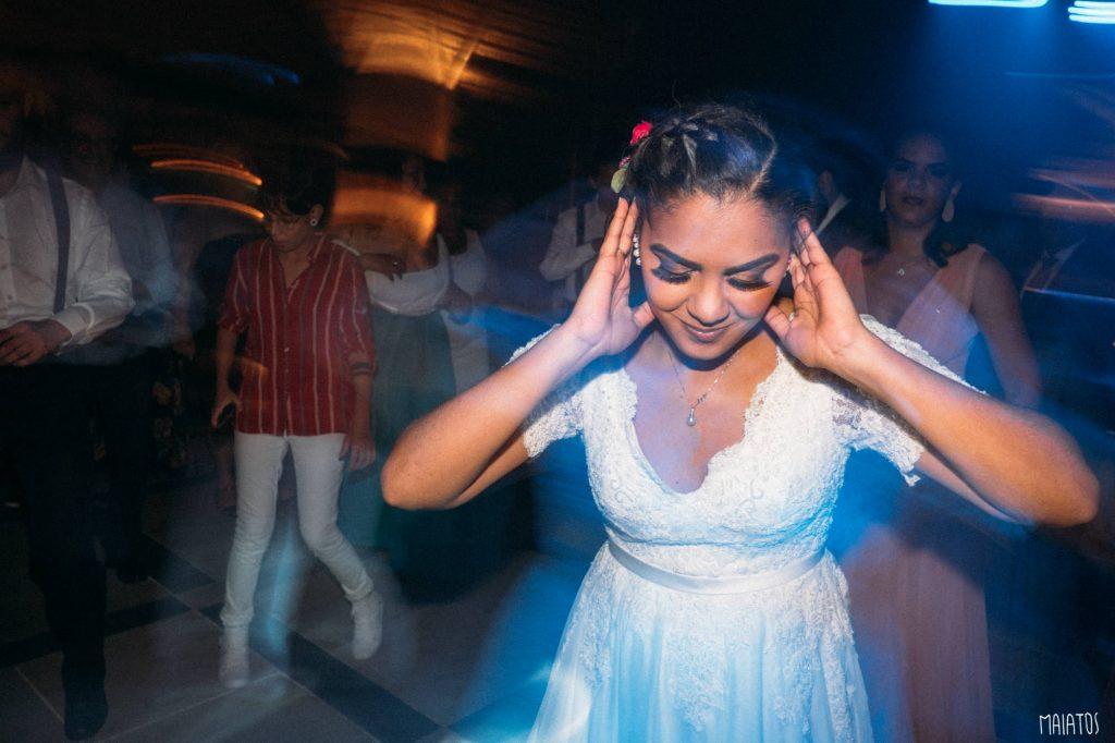 noiva na pista de dança