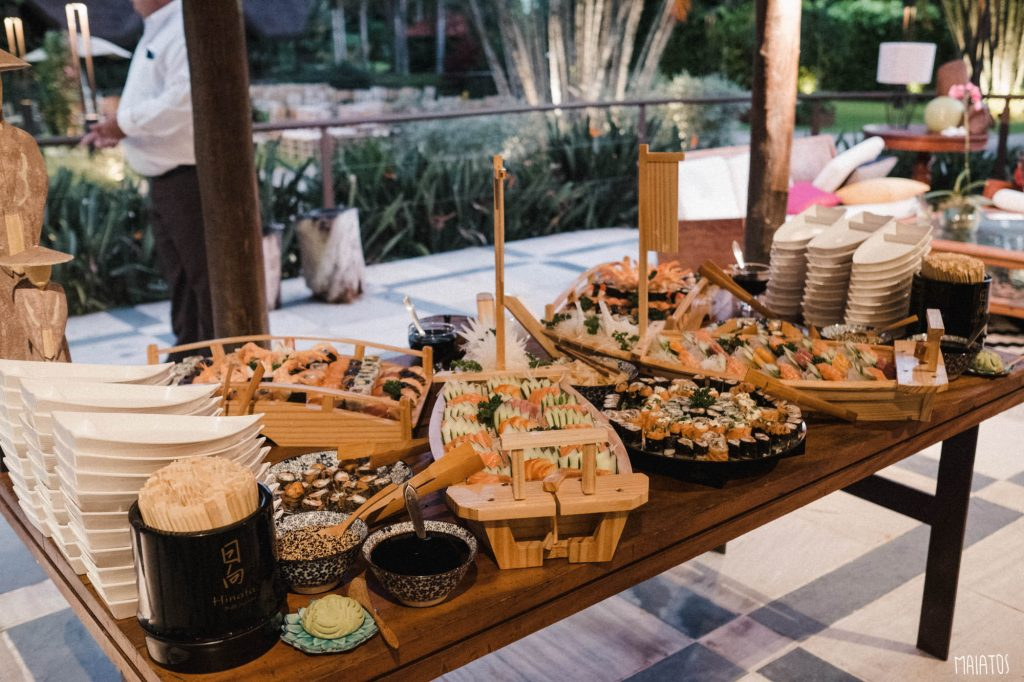 mesa de buffet de japonês para casamentos