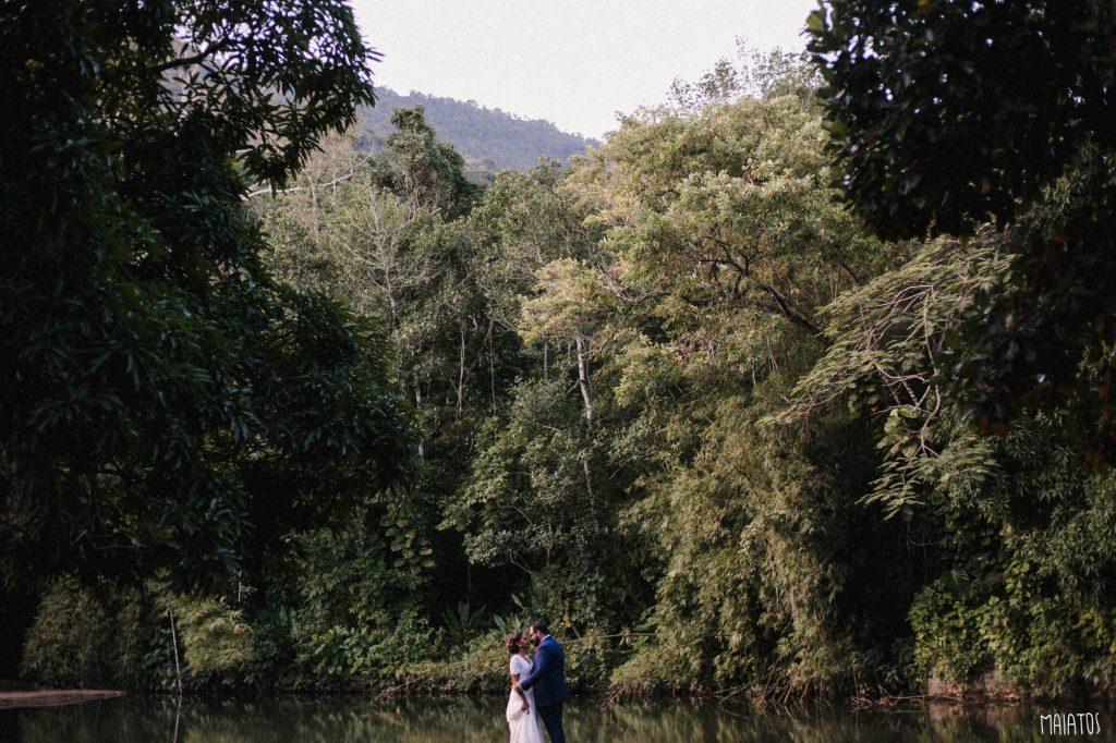ensaio de noivos casamento ao ar livre