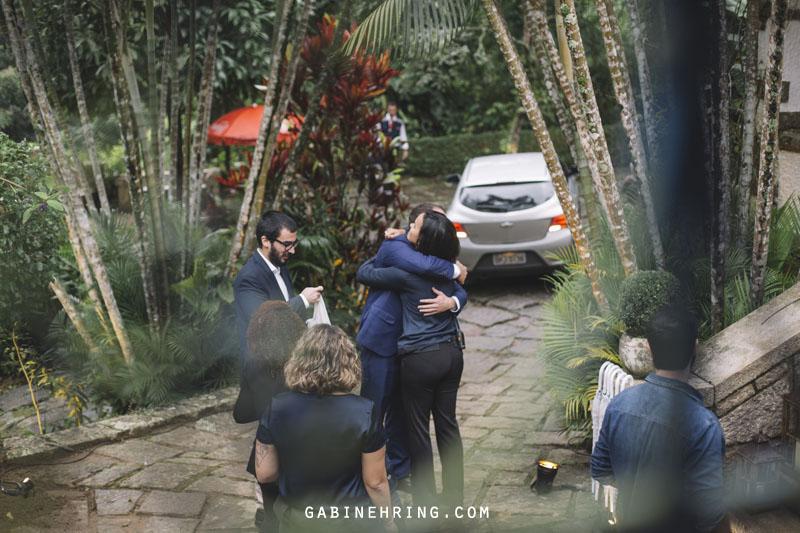 chegada do noivo na cerimônia de casamento